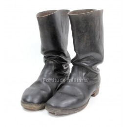 Heer marching boots