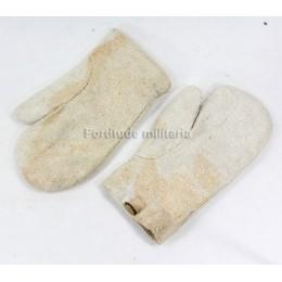 US machine gun gloves