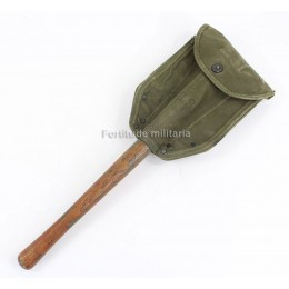 US M-1943 shovel