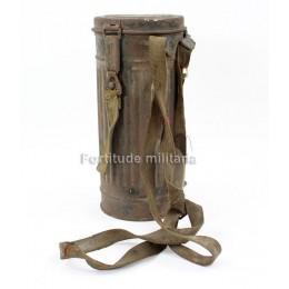 Gasmask canister